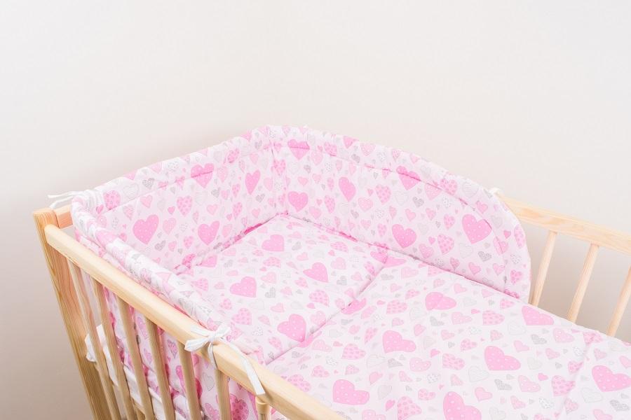 Trojdielna súprava - obliečky + mantinel (ružová) - Srdiečka - Veľkost: 120x90 (paplón) + 40x60 (vankúš)